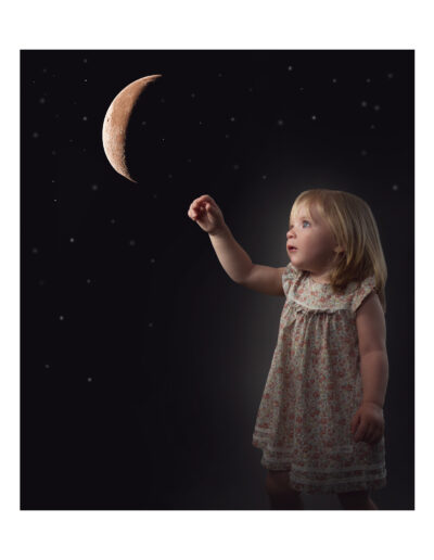 Fineart girl with the moon